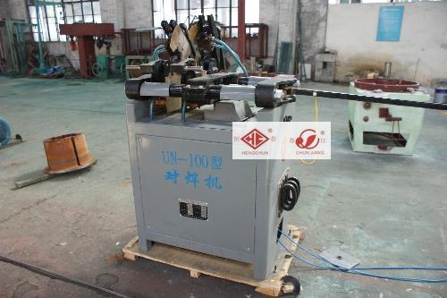 UN-100型对焊机